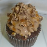 snicker cupcake